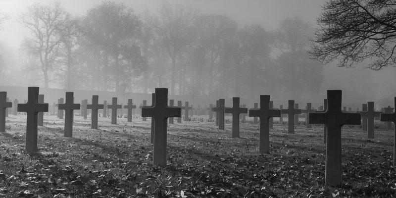 War Memorial Remembrance Day  - luxstorm / Pixabay